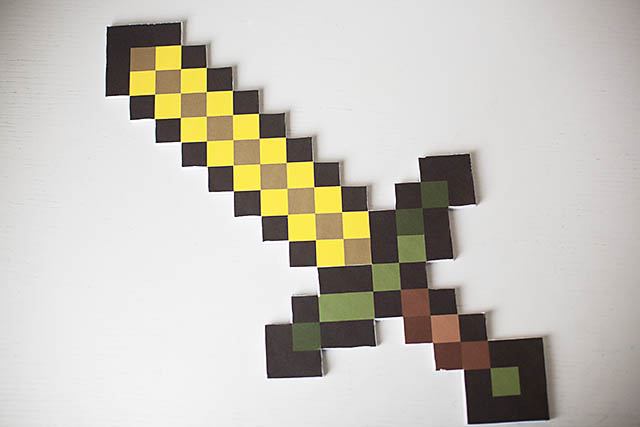 Elegant Digital To Real Life DIY Minecraft Sword