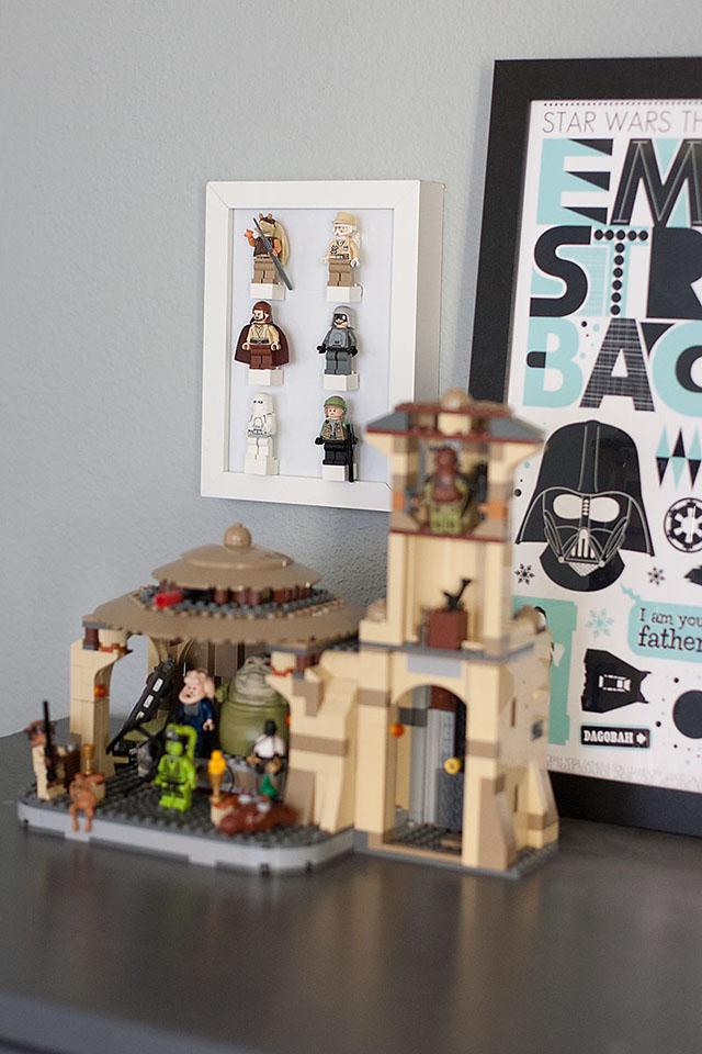 LEGO minifig display