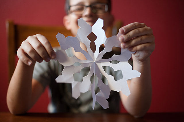Easy way for kids to make paper snowflakes