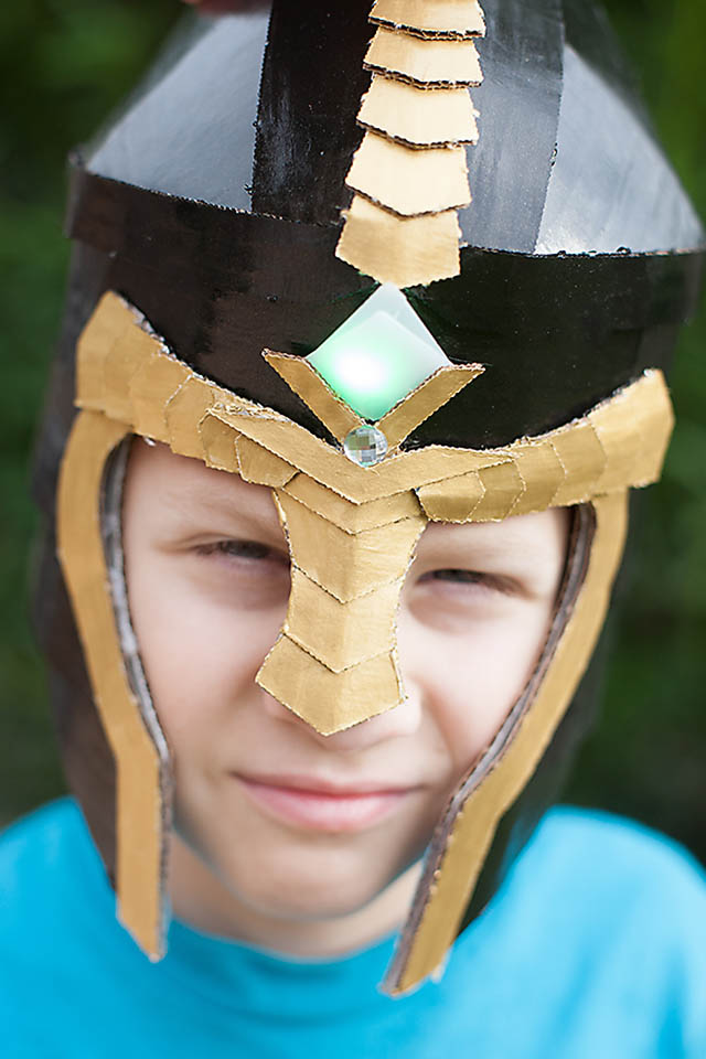 how to make a helmet out of cardboard