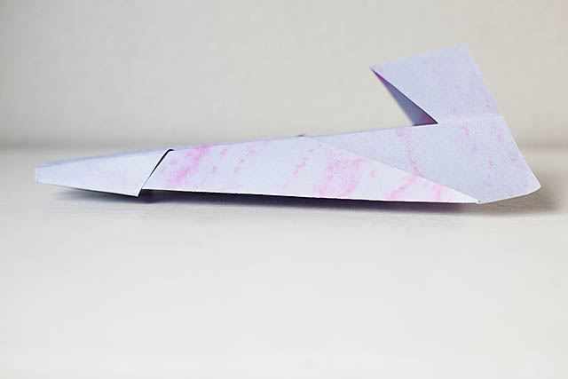 how to make an awesome flying paper plane