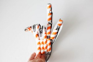all-for-the-boys-articulated-skeleton-hand-10