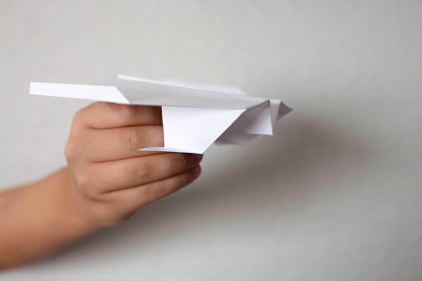 Paper plane with landing gear - how to at allfortheboys.com