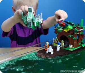 Lego-Star-Wars-Yodas-Swamp-Bubbling-Slime-Activity-for-Kids-7.jpg