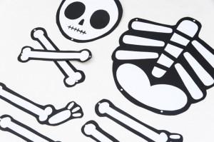 14-diy-halloween-skeleton.jpg