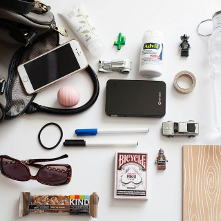 What's in my bag for a mom on-the-go #FastAdvil