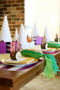 Thanksgiving-Kids-Table-Ideas-1-578x856.jpg