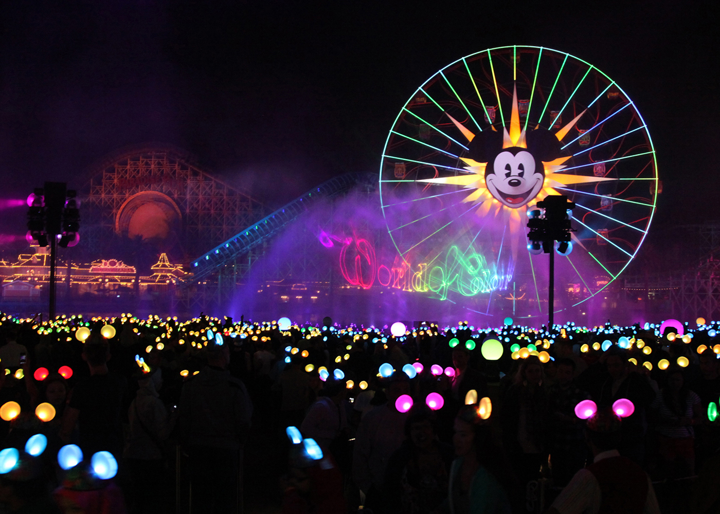 7 Reasons to take your tweens & teens to Disneyland THIS Summer!
