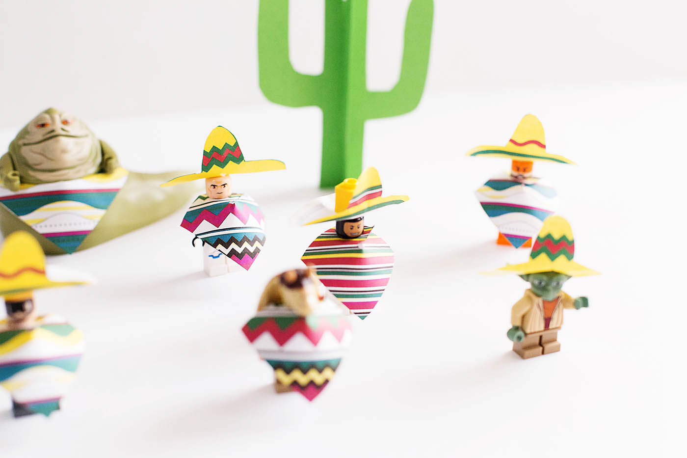Printable sombreros and ponchos for LEGO minifigures - May the fourth AND fifth be with you!