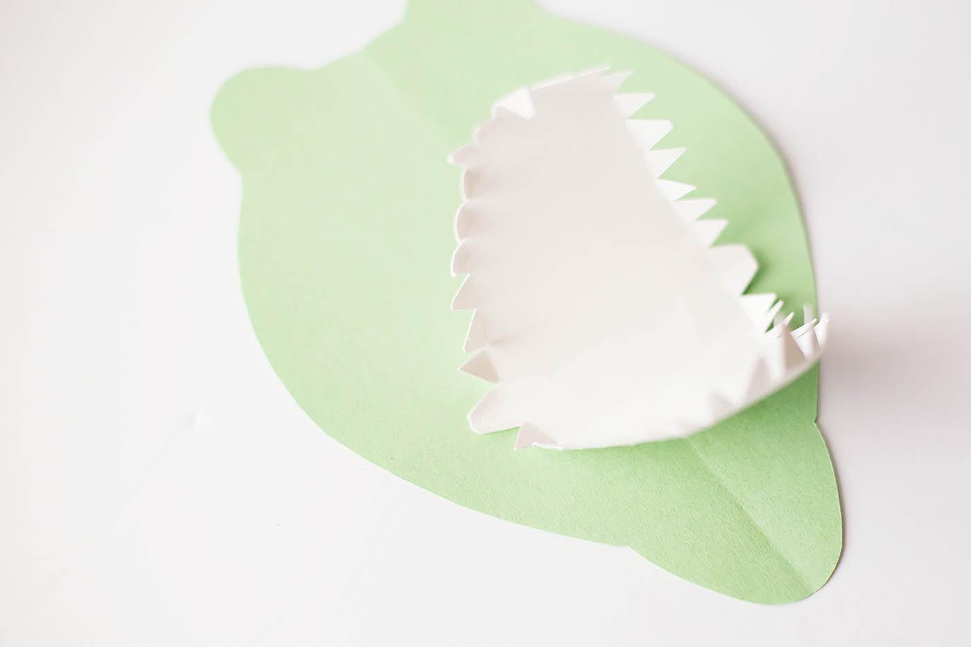 T-Rex dinosar jaws craft from allfortheboys.com at Eighteen 25