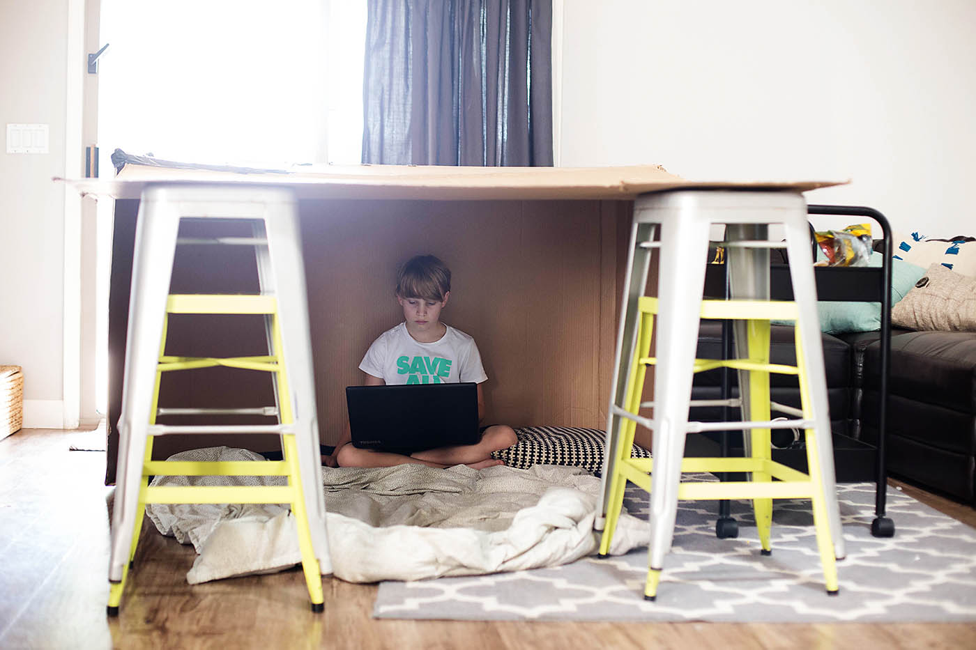 Fort Friday - lots of fort inspiration on this site!