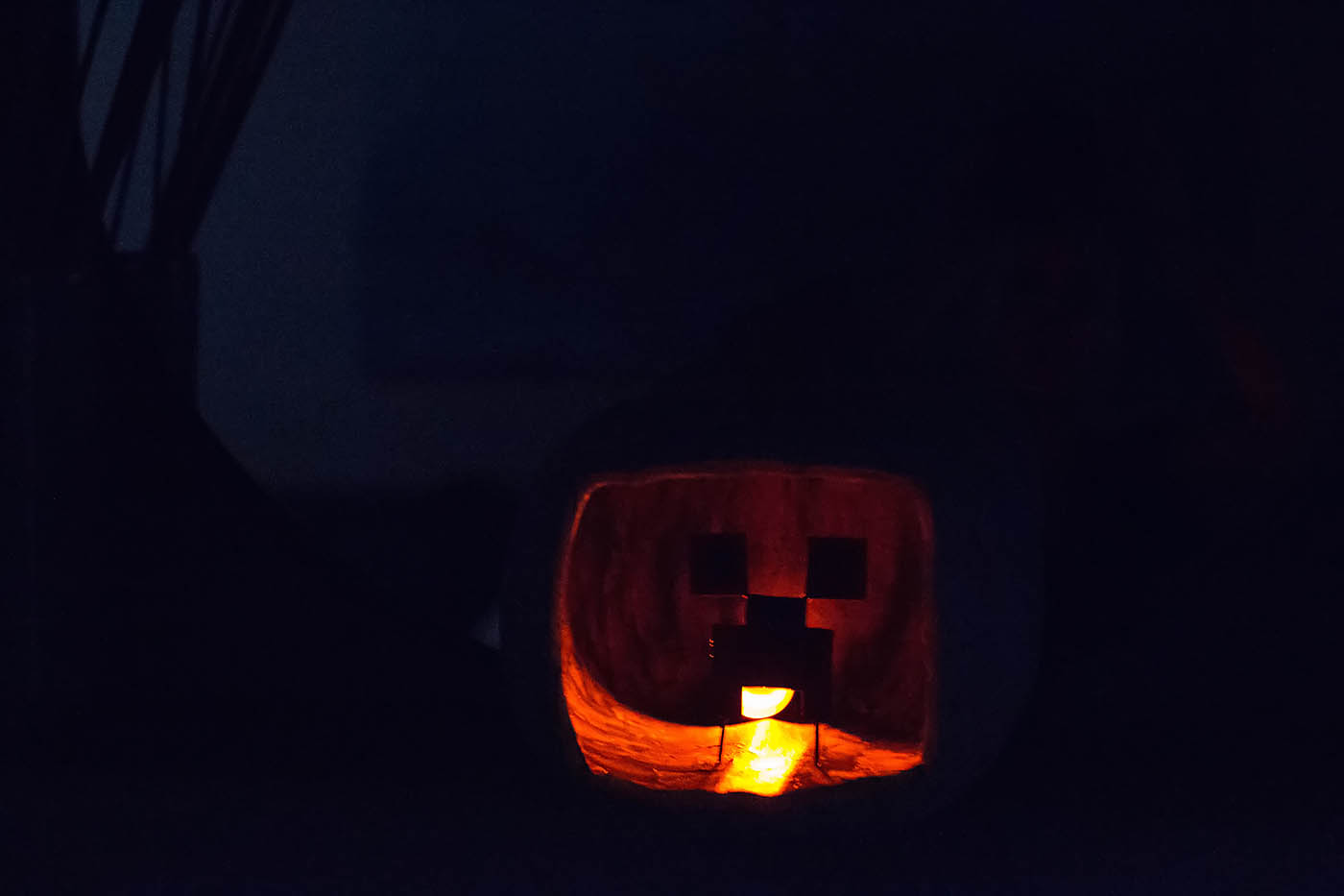 DIY Minecraft Creeper shadowbox pumpkin - see the easy how to at allfortheboys.com