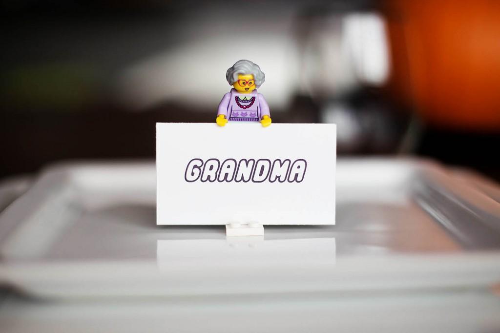 LEGO minifigure place card holders!