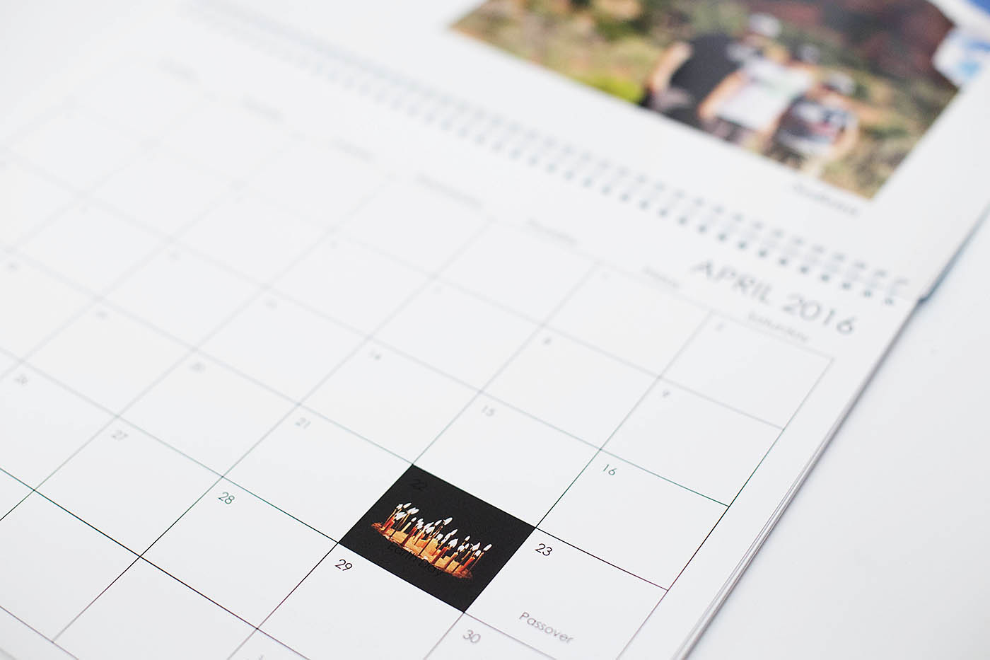 How to incorporate a photo calendar into your home decor
