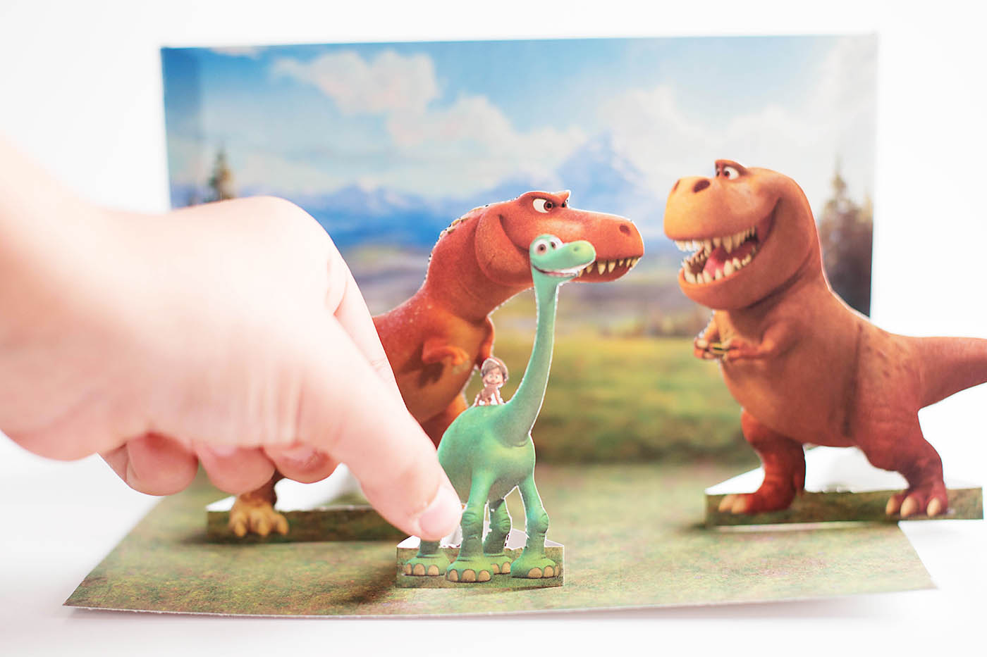 Free printable The Good Dinosaur playset and game!