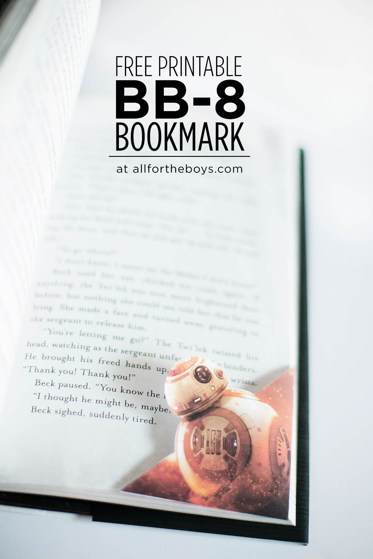 Free printable Star Wars BB-8 corner bookmark