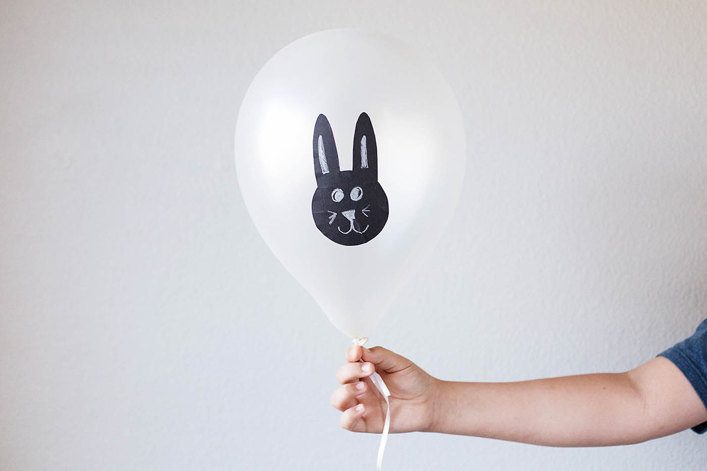 Easy Easter balloons - with printable!
