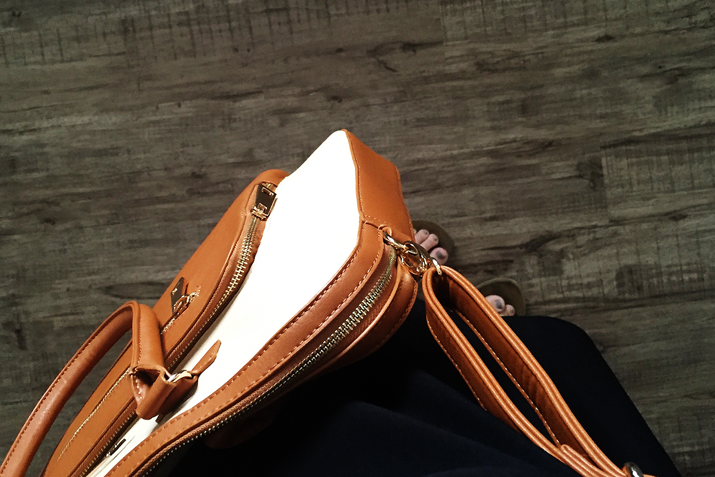 Sandy Lisa Shoulder bag giveaway