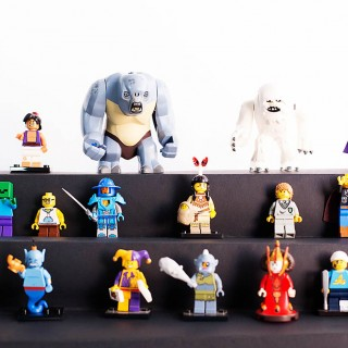 DIY toy display stand