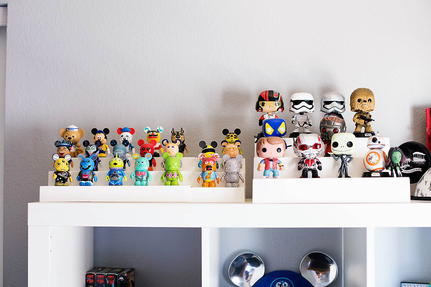 Inexpensive expandable storage for collectables or toys