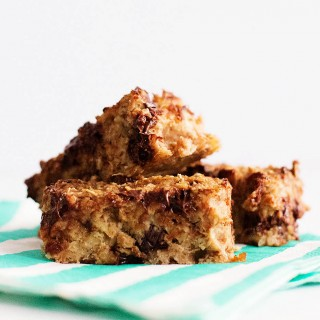 Easy Oatmeal Cherry Chocolate Snack Bars with Applesauce