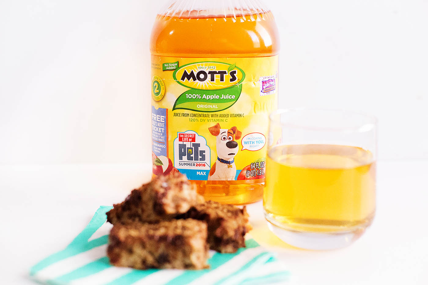 Easy oatmeal chocolate cherry breakfast bars with applesauce (gluten free)