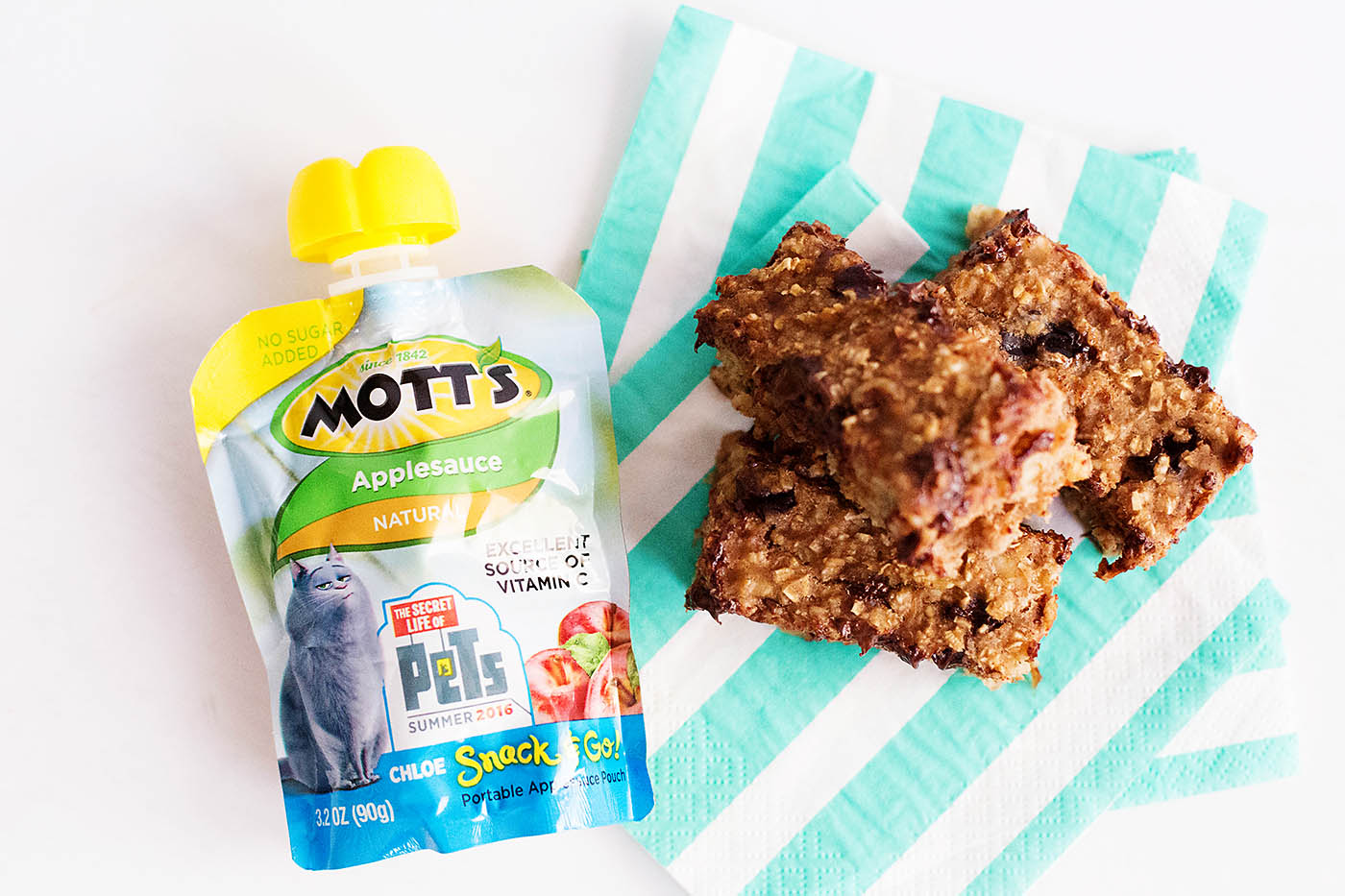 Easy oatmeal chocolate cherry breakfast bars with applesauce (gluten free)