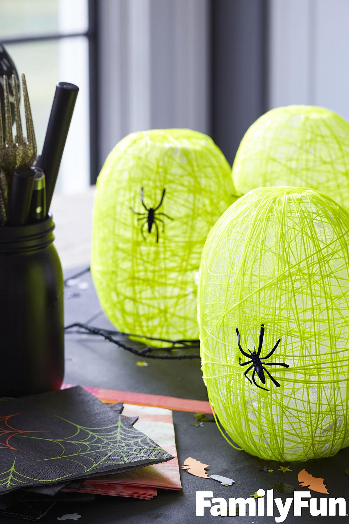 Spider Nest Lanterns - DIY Halloween decor idea