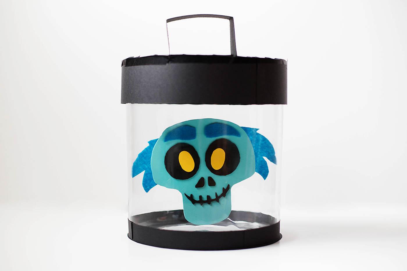 DIY emoji Hatbox Ghost from the Haunted Mansion or Disney Emoji Blitz - a fun Halloween decoration for Disney lovers!