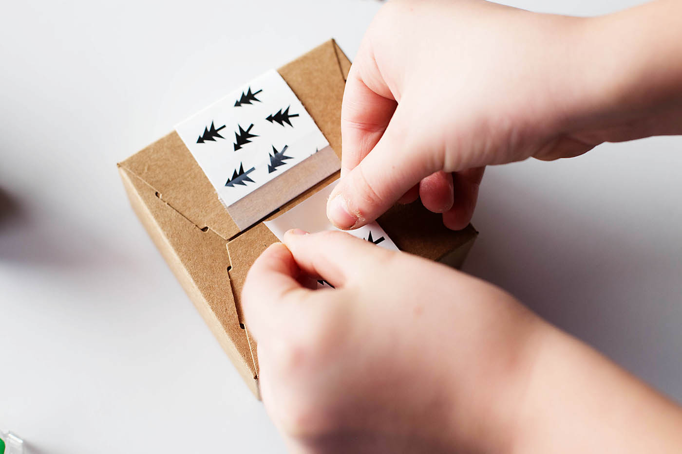 Ideas for wrapping gifts of experience