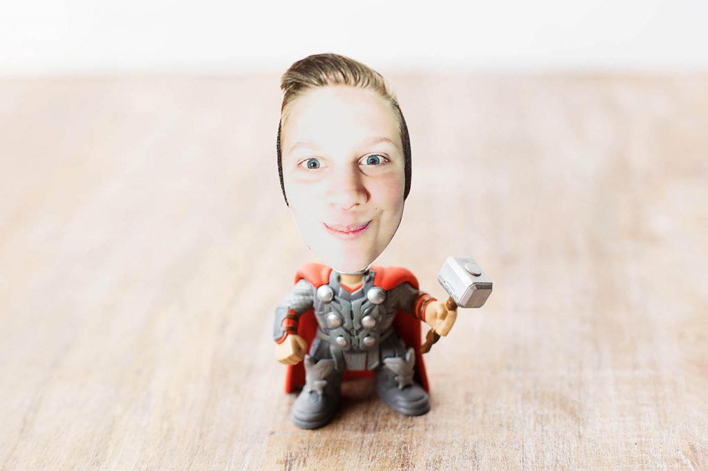 DIY photo bobblehead