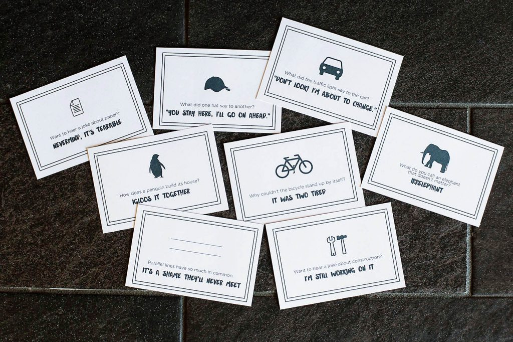 Free printable joke notes perfect for lunches!