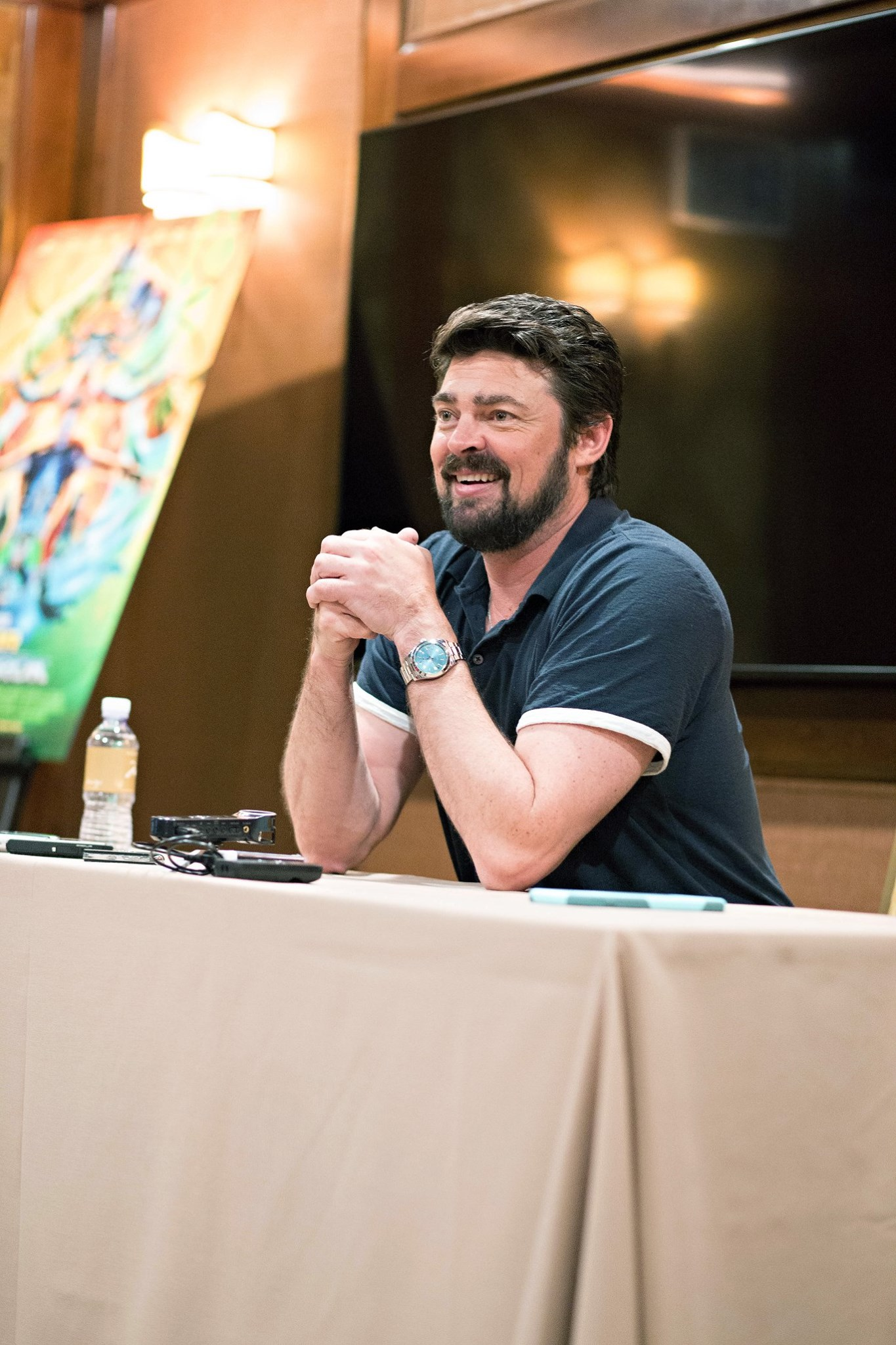 Karl Urban interview for #ThorRagnarokEvent