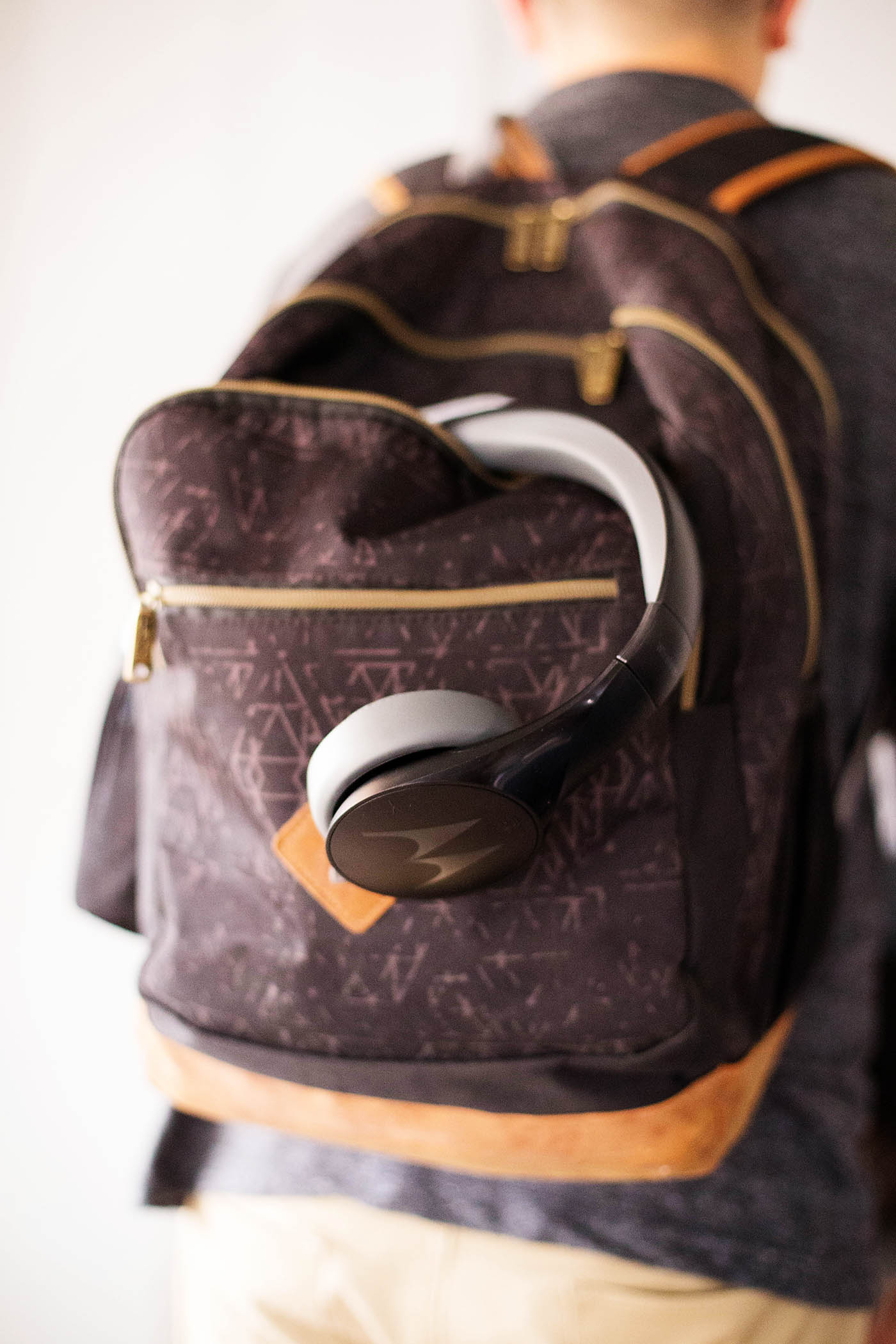 Gift idea: Motorola Pulse Escape Headphones - an inexpensive gift for anyone on your list