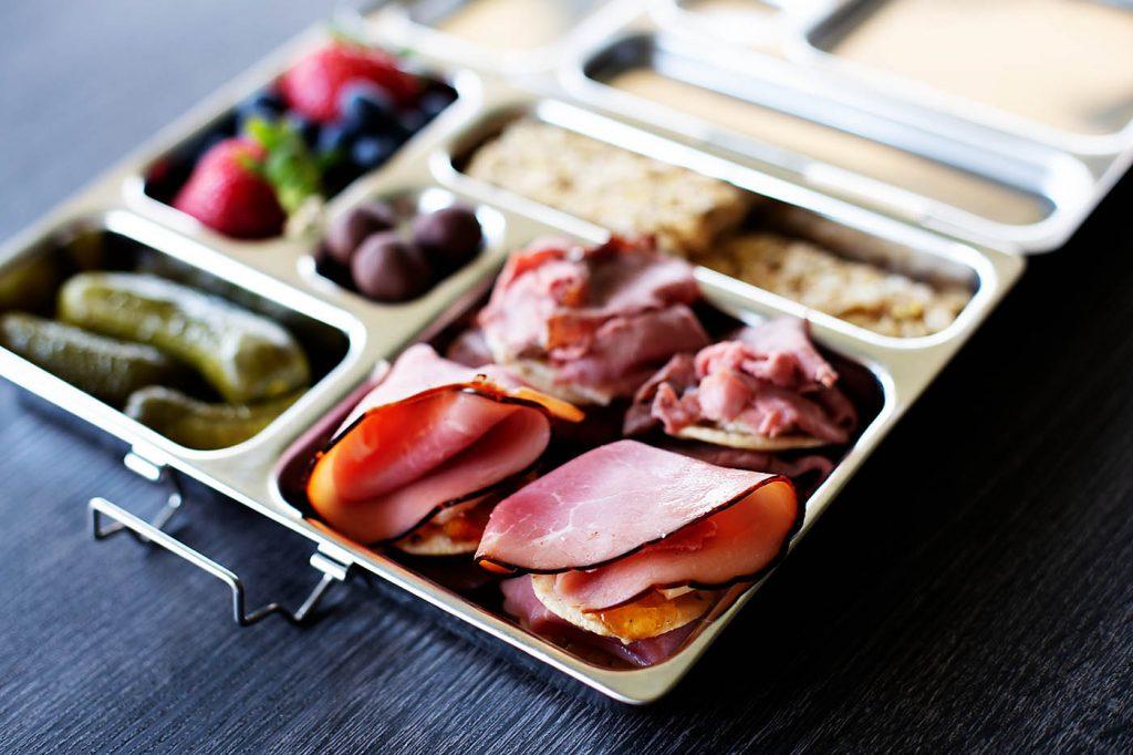 Back to school lunch idea: lunch meat cracker bites!