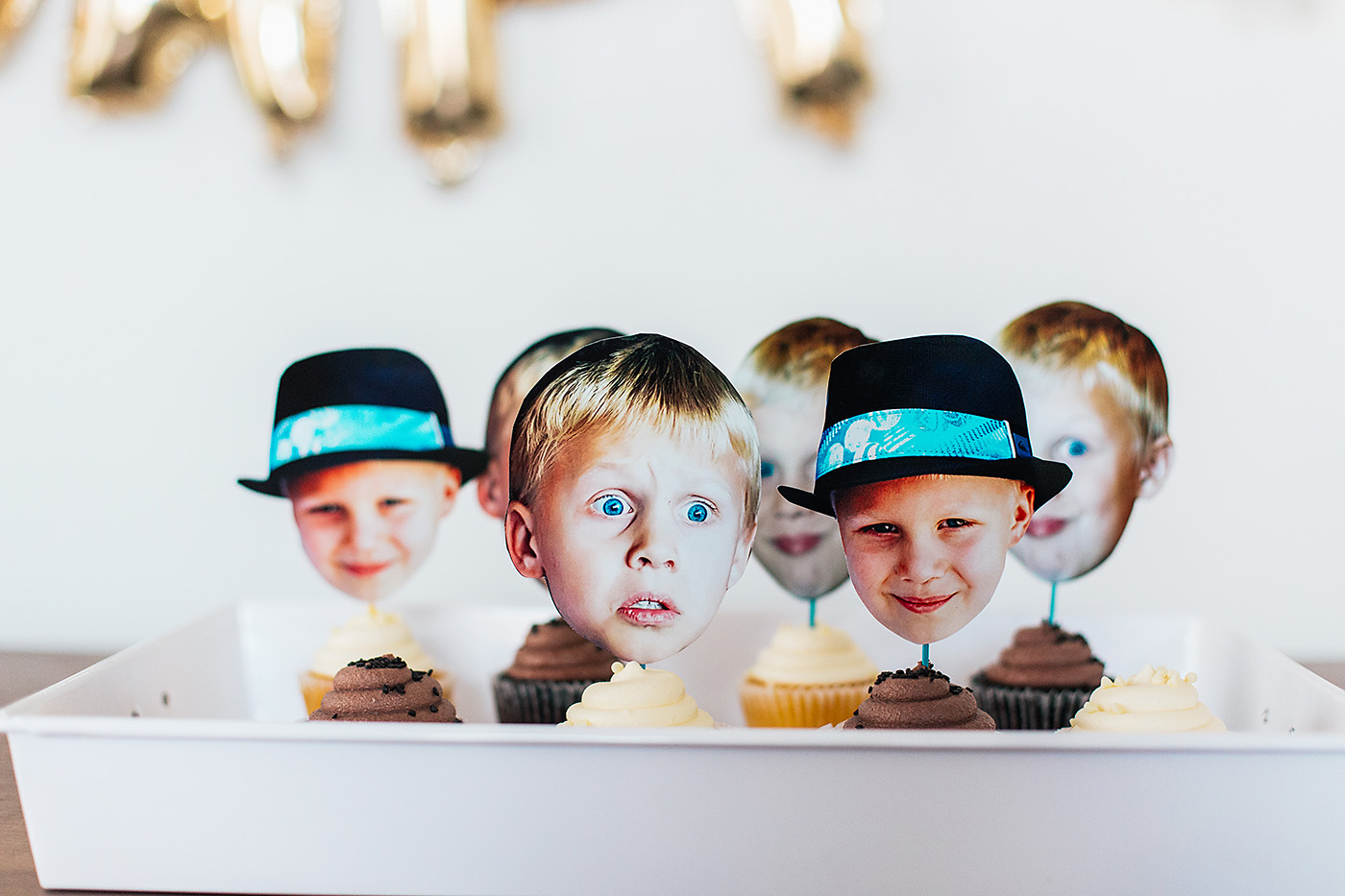 LOVE this photo head surprise party theme! Perfect for graduation, retirement, and anniversaries too!