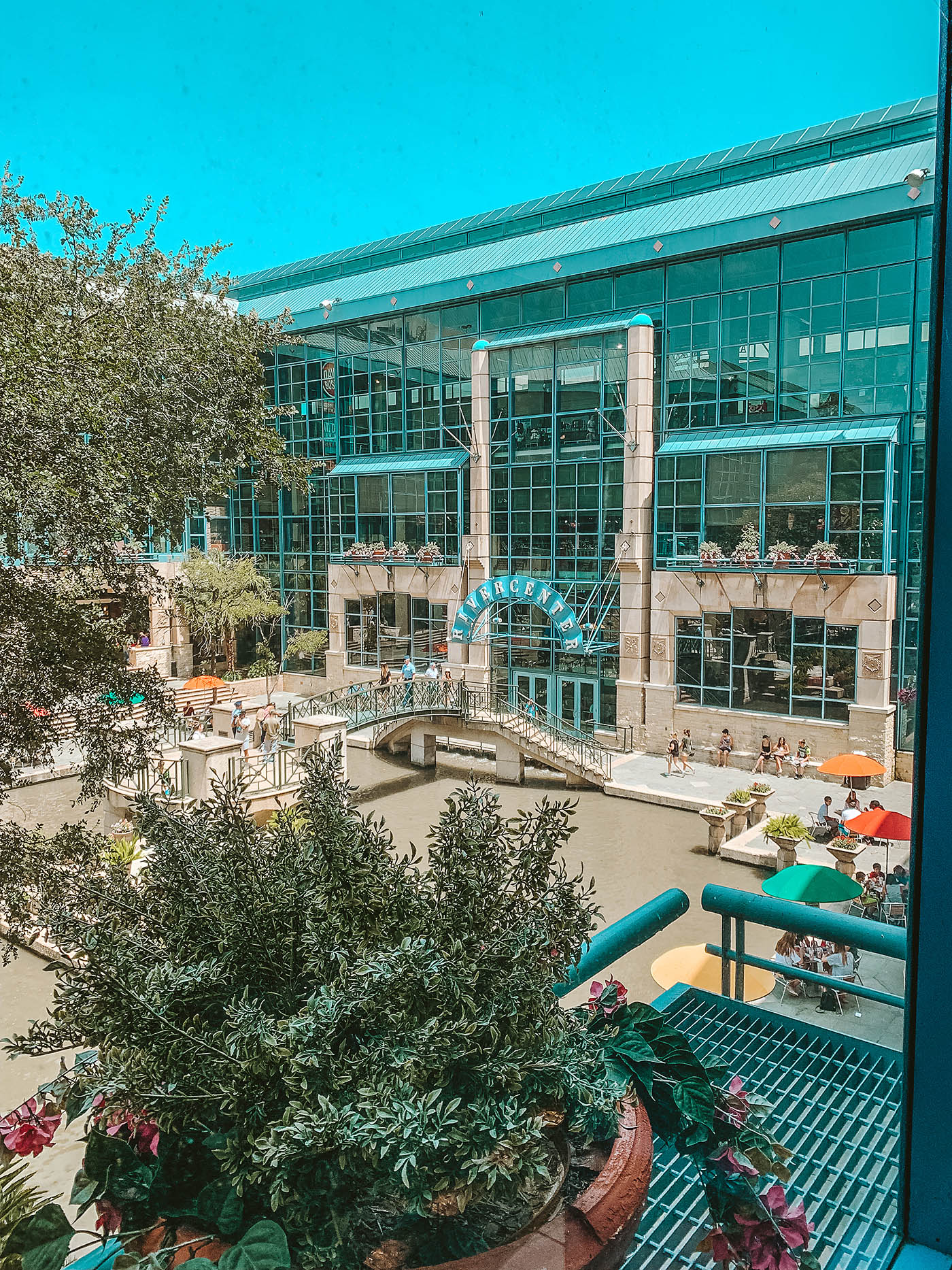 courtyard of the Shops at Rivercenter in San Antonio