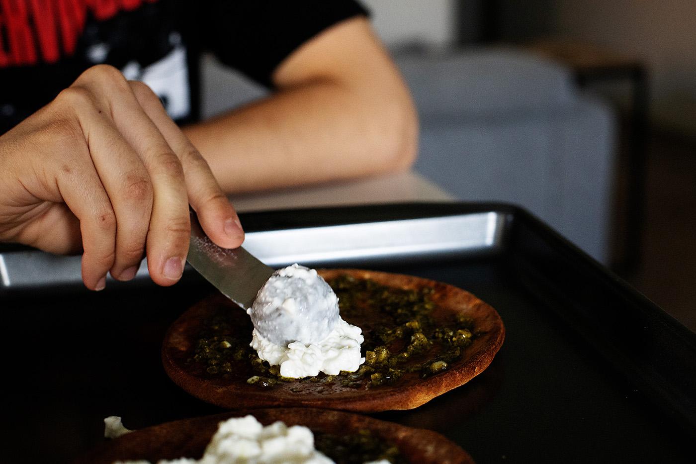 Teen Recipes: Easy Pita Pizza
